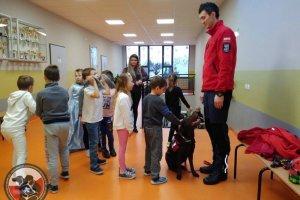 Psy ratownicze w Szkole Podstawowej w Dobrej