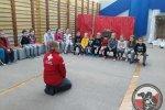 Wizyta psów ratowniczych w Zespole Szkół w Dołujach.