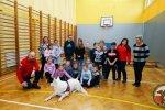 Ratownicy OSP w Szkole Podstawowej w Dołujach